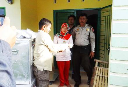 PPS Desa Tanjung Harap Terima Logistik Pemilu 2015