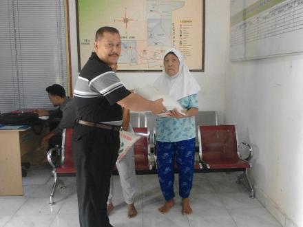 PT. Multi Agrindo Sumatera Serahkan Bantuan Pada Warga