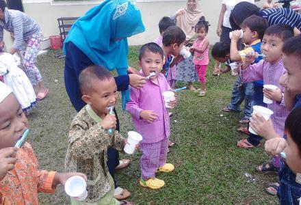 Hidup Bersih Dan Sehat Sedini Mungkin
